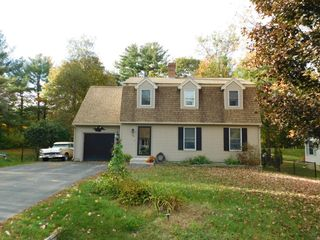 26 Stairfalls Dr, Rochester, NH 03868