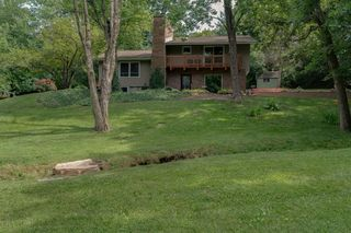 8725 Camp Rd, Bloomington, IL 61705