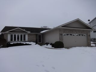 3415 Turnberry Dr, Mchenry, IL 60050