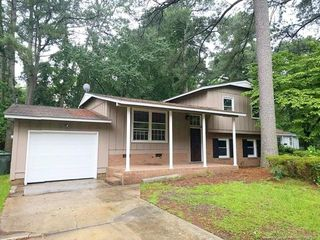 5009 Inverness Dr, Fayetteville, NC 28304