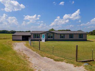 300 Kickapoo Ct, Lipan, TX 76462