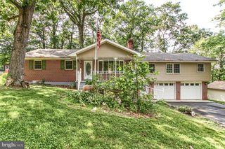 1324 Piketown Rd, Harrisburg, PA 17112