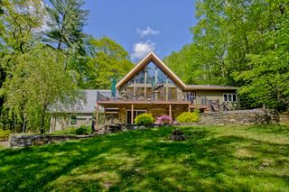 6 Cole Rd, Haydenville, MA 01039