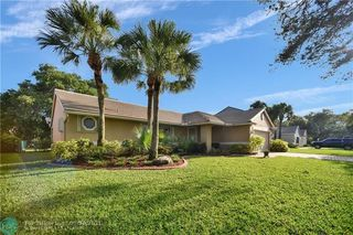9226 NW 44th Ct, Coral Springs, FL 33065