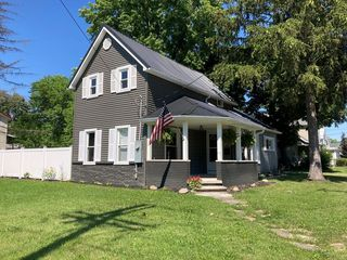 63 2nd St, Shelby, OH 44875