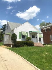 105 Gould Ave, Bedford, OH 44146