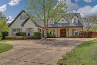 712 Chickasaw Dr S, Flowood, MS 39232