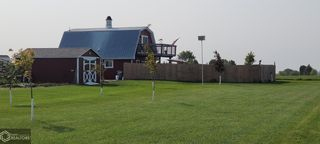 702 Lakeview Dr, Melrose, IA 52569