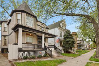 1821 W Byron St, Chicago, IL 60613