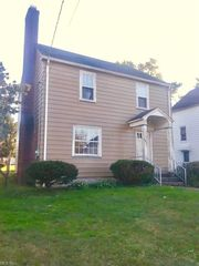 641 E Dewey Ave, Youngstown, OH 44502
