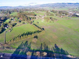 100 Orchard Ln, Penngrove, CA 94951