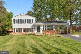 12113 Sunnyview Dr, Germantown, MD 20876