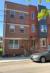 1106 Green St #2, Philadelphia, PA 19123