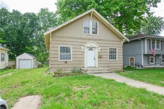 1326 S Spring St, Independence, MO 64055