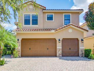 8154 Prestbury Dr, Orlando, FL 32832