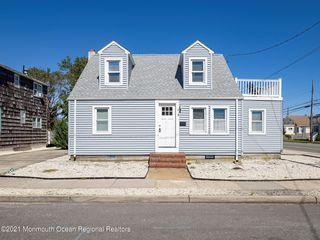 21 E Maryland Ave, Brant Beach, NJ 08008