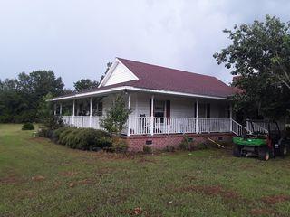 627 Country Pond Ln, Cross, SC 29436