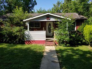 1320 Ox Hill Dr, Lexington, KY 40517