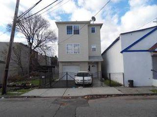 9 Blum St, Newark, NJ 07103