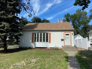 322 W Rosser Ave, Bismarck, ND 58501