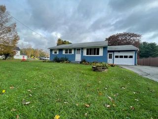 96 Melbourne Rd, Pittsfield, MA 01201