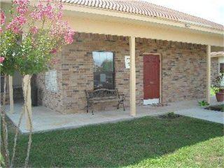 555 S Burke St, Goliad, TX 77963