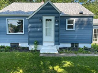 189 Ellis Ave, Hermitage, PA 16148
