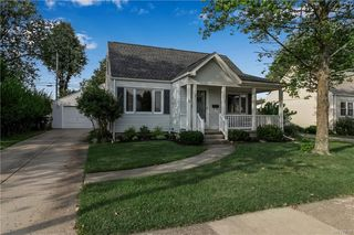 38 Airview Ter, Depew, NY 14043