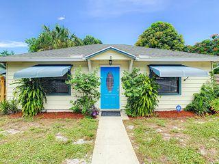 720 S Pine St, Lake Worth, FL 33460