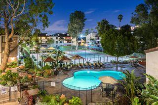 21601 Erwin St, Woodland Hills, CA 91367