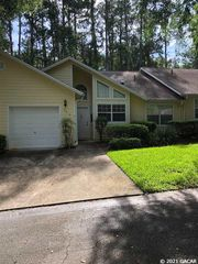 3313 NW 103rd Dr, Gainesville, FL 32606