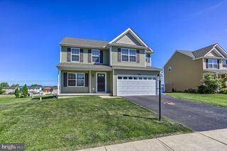 75 Andrew Dr, York, PA 17404