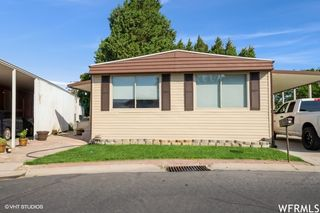 1130 W Carmellia Dr S, Salt Lake City, UT 84123
