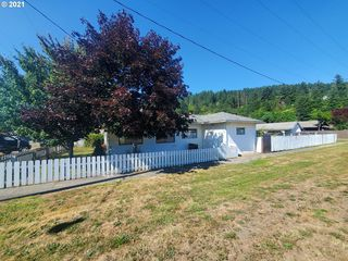 410 3rd Ave, Powers, OR 97466