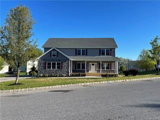 2076 Independence Dr, New Windsor, NY 12553