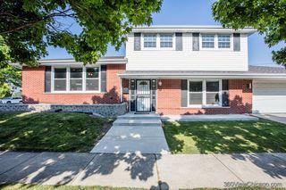 5637 W 99th Pl, Oak Lawn, IL 60453
