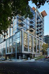 62 Cedar St, Seattle, WA 98121