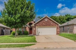 2720 Wakecrest Dr, Fort Worth, TX 76108