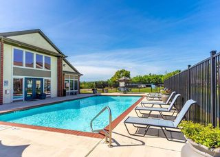 1710 Old Alvin Rd, Pearland, TX 77581