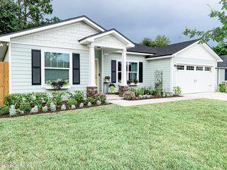 1265 Sarahs Landing Dr, Jacksonville, FL 32221