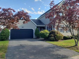 28 Rolling Grn, Middletown, CT 06457