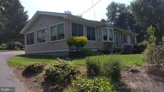 416 Charming Forge Rd, Robesonia, PA 19551