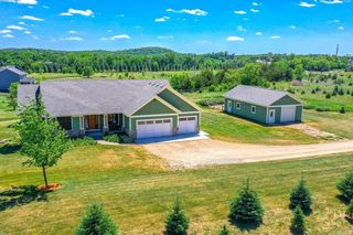 825 126th Ave, New Richmond, WI 54017