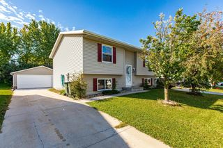 4874 10th St NW, Rochester, MN 55901