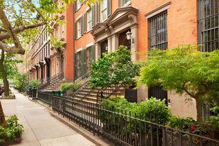 214 E 18th St, New York, NY 10003