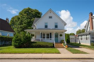 37 Lester Ave, Pawcatuck, CT 06379