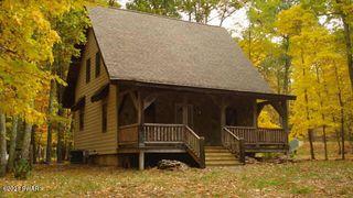 112 Oak Dr, Shohola, PA 18458