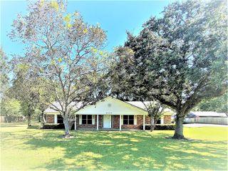 9237 Gene St, Needville, TX 77461