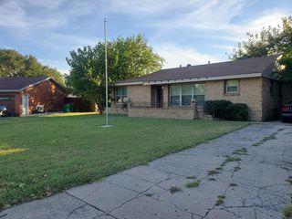 512 Harriett Dr, Burkburnett, TX 76354