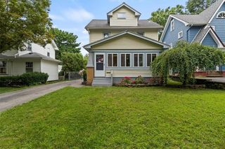 141 Colebourne Rd, Rochester, NY 14609
